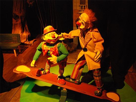 Marionetas de la compañía Moviendo Hilos
